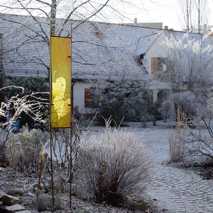 Eva-Sperner-Gartenstele-Schnee